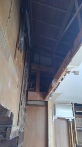階段室解体